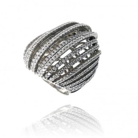 Anel exclusivo de prata rodeada com cravação de zircónias