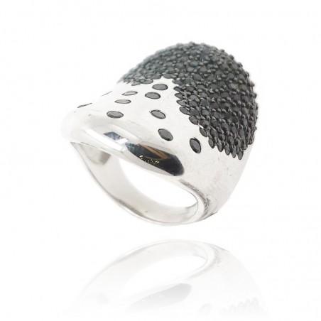 Anel de prata rodeada com cravação