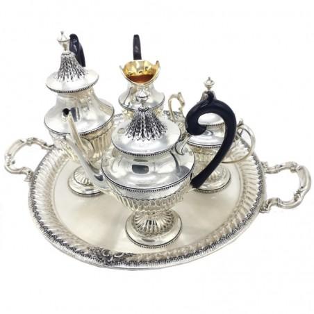 Serviço de chá em prata cinzelado manualmente